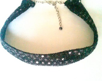 Sequins choker necklace