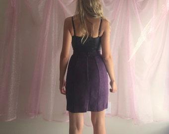 80s / vtg / Suede Skirt / pencil skirt / suede skirt / plum purple skirt / size small medium
