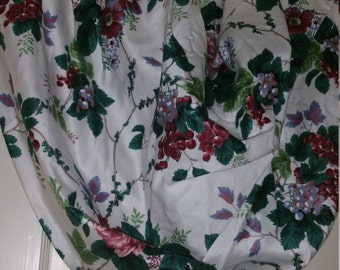 Window Valance,Pleasant Valley, Waverly, Balloon style, fully lined, never used. FREE SHIPPING