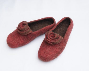 Women slippers Retro Felted slippers Red slippers Women clogs Rose Women wool clogs Women gifts