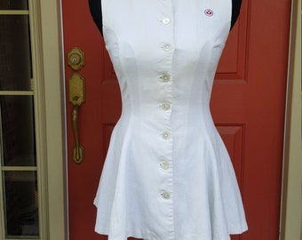 Vingage 50s 60s Loomtogs Fitted Bodycon White Cotton Pique Sleeveless Button Down Blouse 1950s 1960s Size Small ~~ Retro, Classic