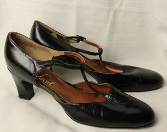 Vintage 1960s Ted Saval black leather mary jane pumps heels shoes 11 1/2 281