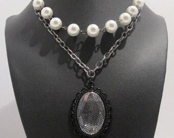 Lace Accent Pearl Necklace Handmade Women's Gunmetal Pendant