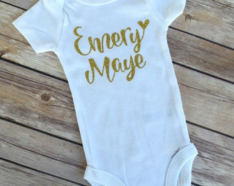 Glitter onesie MORE COLORS. Glitter name. Personalized onesie. Name onesie. Monogrammed onesie. Baby shirt. Newborn. Girl. Going home outfit