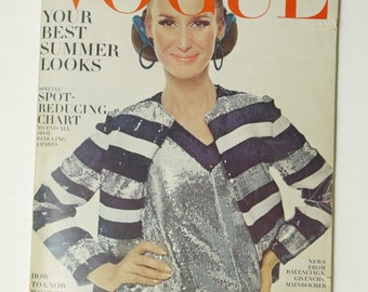 Vintage Vogue Magazine Brigitte Bauer April Apr 15, 1966  Richard Avedon Fashion