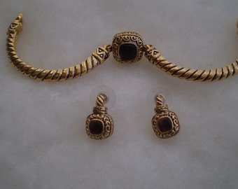 Pricing ReducedVintage Bracelet and Earrings Set
