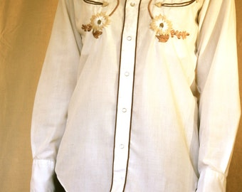 Embroidered Pearly Snap Shirt