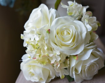 Whimsical Rose Bunch in white -ITEM019