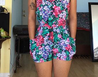 Vintage sz S floral print jumper/ romper/ one piece