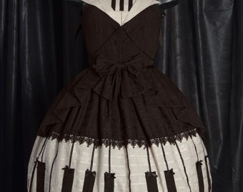 "Embroidered dress ""lovely piano"""