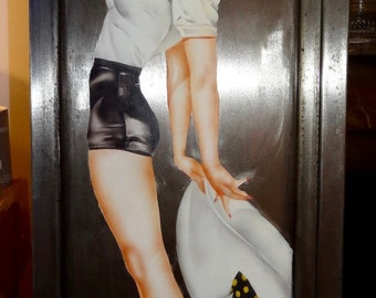 Pin up airbrushed on metal door