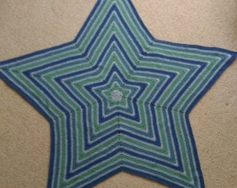 Nursery Knits UK hand-crocheted, star shaped large blanket / mat / throw in blue, denim, silver, sage, green