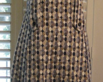1960s Sleeveless Dress In Navy, Tan, & White Woven Fabric