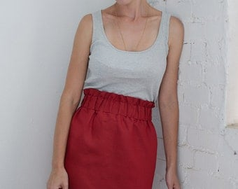 Linen pencil skirt with elastic waist in red