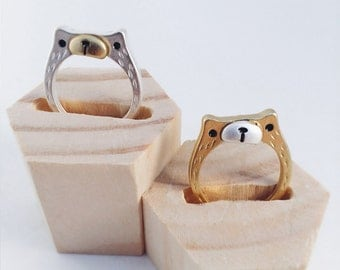Curious bear ring