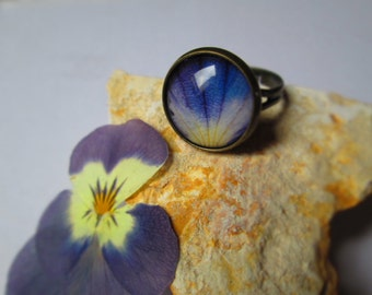 Pansy blossom ring, real flower ring, flower jewelry, pansy jewelry, jewelry for women, cabochon ring