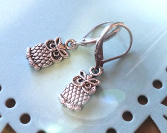 Owl Earrings / Earrings / Vintage Earrings / Charm Earrings / Silver Earrings / Bird Earrings
