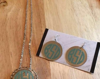 Scalloped Monogram Necklace, Monogram Necklace, Round Monogram Necklace, Scalloped Jewelry, Monogram Jewelry, Silver Necklace,