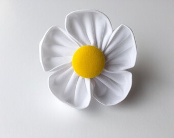 Free Spirit Pups flower accessory for collar! Crazy Daisy - one size!