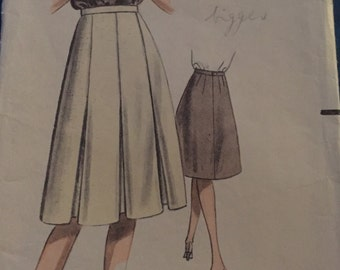 """Lovely Vintage 1950s Cone Skirt with Front Inverted Pleats, Weigels Sewing Pattern 2545 Waist 24"""""""