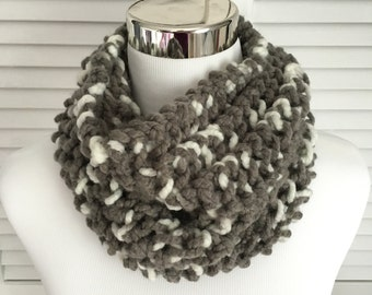 Bulky Gray White Knitted Infinity Cowl Scarf