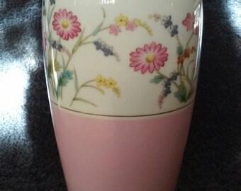 NORITAKI NIPPON 1940's Toki Kaisha Japan Antique Petite Vase.