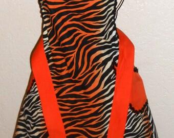 Adult Apron, Zebra Print, Flirty Skirty, Ladies Apron, Womens Apron, Traditional Apron, Full apron, Baking, Cooking ,Crafting,