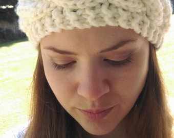 Hand knitted cabled ear warmer, chunky knit cabled headband (off-white)