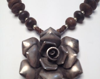 Necklace ethnic flower