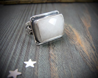 alabaster ring