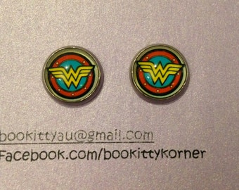Wonder Woman Logo Surgical Steel Stud Earrings 12mm