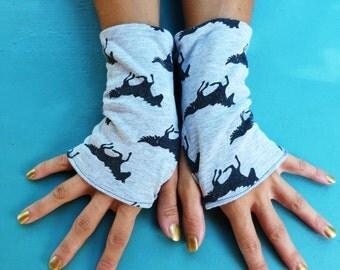 """Fingerless mittens """"Horses"""""""
