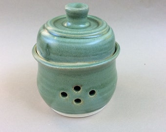 HANDMADE garlic keeper, mint green, container, ceramic, pottery, storage, decorative, ready to ship/gift /kitchen