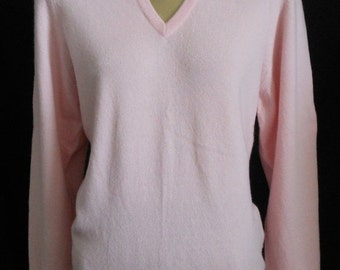 JULY SALE Vintage 90s Ballantyne Cashmere Sweater, 1990s Soft Pink Vee Neck Pullover Sweater, Made in Scotland, Size S to M, Small to Medium