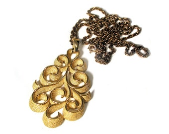 70s Crown Trifari Gold Tone Swirl Pendant Necklace, Crown Trifari Necklace, Trifari Pendant