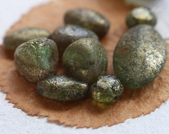 METALLIC MOSSY STONES .. 10 Picasso Czech Glass Beads (3424-10)