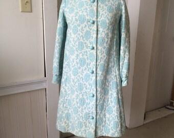 1960s MOD Don Sophisticates Floral Blue Lotus Jacquard Suit Ensemble Dress & Baby Doll Coat Funky Ball Plastic Buttons Size 8 Size 10