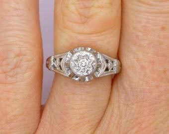 Antique Art Deco engagement ring 18ct Platinum Millgrain diamond solitaire 1920's Antique Vintage Gatsby style Unique Anniversary wedding
