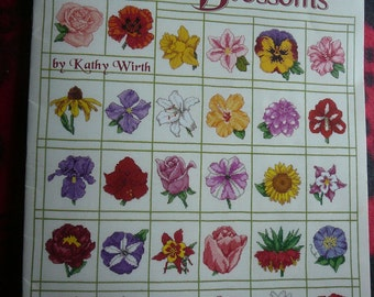 50 Blossoms (American School of Needlework Cross Stitch Patterns, 3715)
