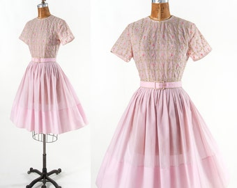 Vintage 1950s Embroidered Dress, 50s 60s Petal Pink Cotton Dress, Wide Skirt & Floral Embroidery, Women's Clothing, Dresses