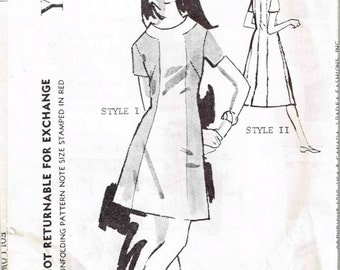 Color Block A Line Dress Spadea A-3127  Vintage 1960s Mail Order Slimming Designer Sewing Pattern Size 12 Bust 34