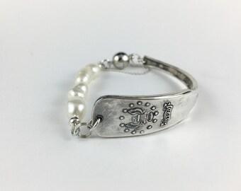 Rhode Island Bracelet, Pearl Bracelet, Rhode Island Jewelry, Spoon Bracelet, Spoon Jewelry, Wife Gift, Vintage Rhode Island