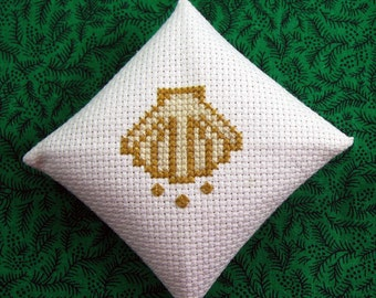 Christmas Ornament The Shell Chrismon in Cross Stitch