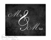 MR & MRS Printable Chalkboard Artwork // 8x10 Wedding Gift, Wall Art // Instant DOWNLOAD, Printable File