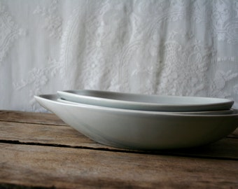 SOLD sold sold Reserved Item Vintage Eva Zeisel Town and Country Comma Serving Bowl 10 inches Red Wing