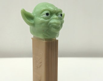Vintage Star Wars Yoda PEZ Dispenser with 2 Packs Unopened PEZ Candy - 90's Star Wars PEZ Collectible, Jedi Master Yoda, Empire Strikes Back