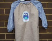 Child's long sleeved art smock, age 3 to 4, Owl.