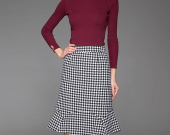 Houndstooth Pencil Skirt - Smart Classic Black & White with Fishtail Hem Woman's Office Skirt (1439)