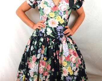 Super Cute 1980s Floral  Summer Dress - By Expo
