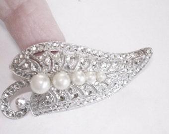 Silver Tone Rhinestone Pearl Brooch